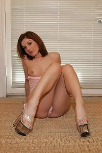 Flexible Redheaded With Long Curves And Dazzling Stunner Feet Made Use Of Her Soles To Job A Fat Dick