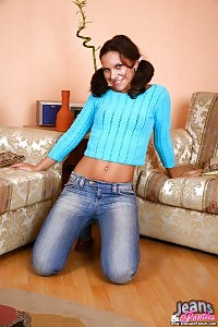 Fresh Faced Black-haired In A Sweater Spread Her Tight Jeans And Tiny Panty